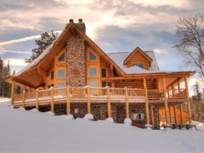 Liberty Lodge-Custom  Log Cabin on Ski in and Ski out at Terry Peak