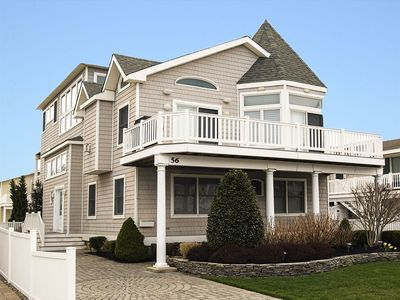 Photo for 4 houses to the beach, on one of Avalon's best beach block locations.
