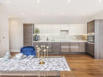 Photo for Corben Mews Offering Luxury Apartments Available At Fair Price To Rent Instantly