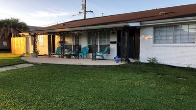 Photo for New Listing! 3 bedroom / 2 bath home in Lakeview near City Park