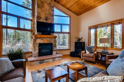 Foxtail Gardens - Living Area with TV, Fireplace and Views! Opens to Kitchen.