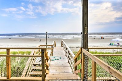 The sandy shores of North Carolina are calling you!