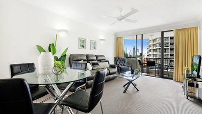 Photo for Pacific Resort in the Heart of Broadbeach