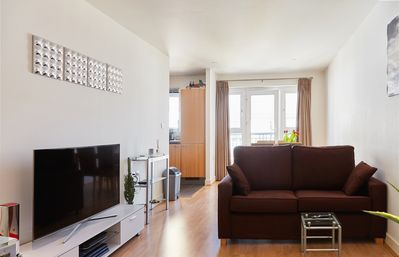 Photo for Cosy and naturally bright home moments away from the underground station (Veeve)