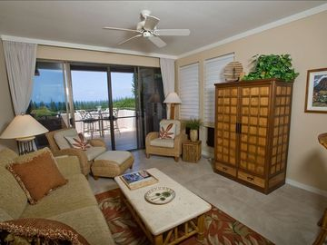 Relax in Our Private Villa looking at the Islands of Lanai and Molokai