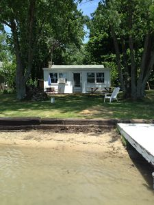 Newly Remodeled & Family Friendly Lake Front Cottage