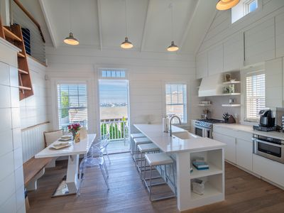 Luxurious Harbor View Twin Cottages! Walk & bike to everything!