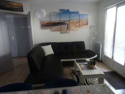 Photo for T3 Air-conditioned, secure residence with pool, Less than 2 KMS Pont d'Avignon