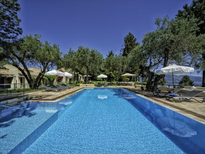 Photo for Villa Skyline (Chef, heated pool and free round-trip airport transfers included)