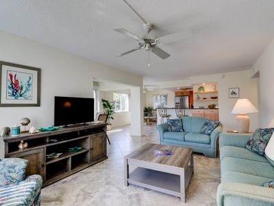 Photo for Sanibel Surfside #216: Amazing Condo w/ Great Island Location Steps to Beach!