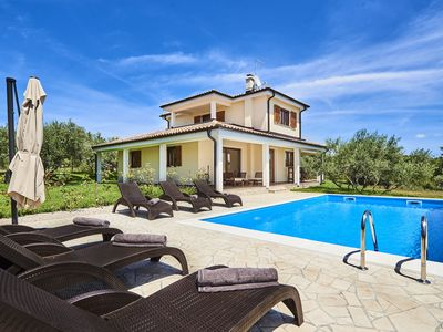 Photo for Luxury Four Bedroom Villa with Pool