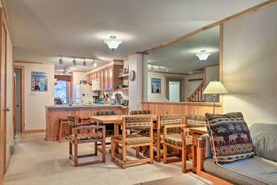There are 2 bedrooms, 2.5 bathrooms, and room for 8 guests.