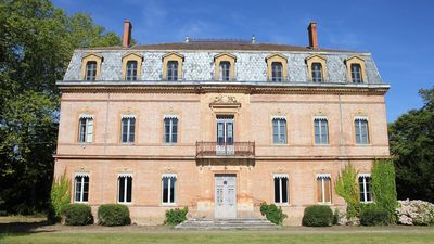 Photo for A magnificent 19th century chateau & private pool. 35 mins from Toulouse