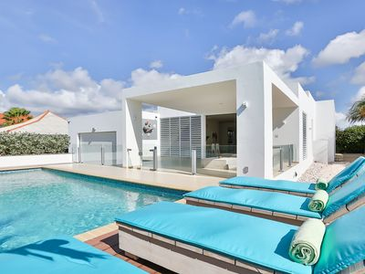 A Great, New And Modern Villa Only 200 Mtrs From The Beach Of Jan Thiel