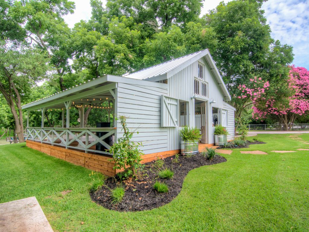 Waterfront Home And Wedding Venue On The Beautiful Guadalupe River For 100