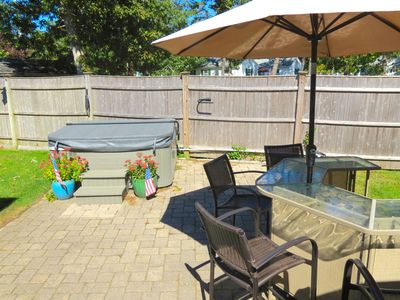 Photo for Outdoor Living Space to Spare, Walk to Beach, Hot Tub, Linens Included. 082-H