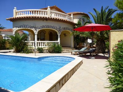 Photo for Very nice detached house with private pool in quiet location