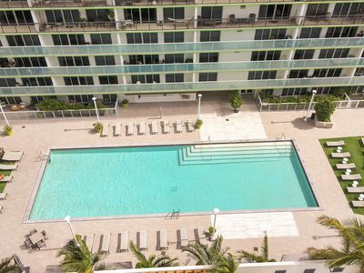 Photo for Comfortable condo w/ a furnished balcony, bay view, shared pool, & hot tub!