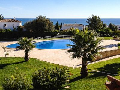 Photo for Cerro de Aguia V, Albufeira, 2 bedroom, villa with pool and fabulous sea views.