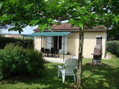 Photo for Comfortable cottage with heated swimming pool between Sarlat and Cahors