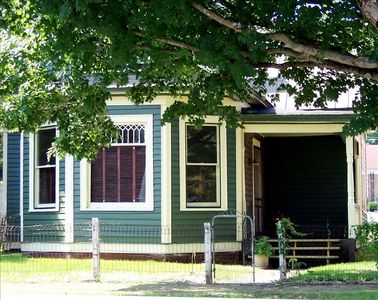 Photo for Historic District - WINTER RATES - 4 Blocks from Creeper Trail & Barter