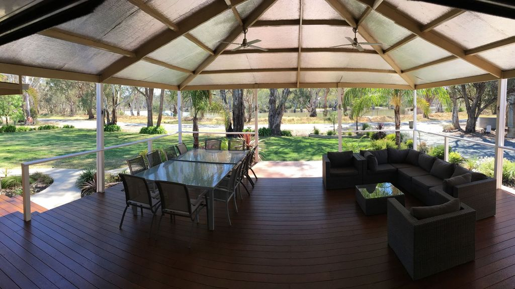escape to murray river book report 4 star rooms overlooking the mighty murray 1 2 3  lovely quiet river setting  by the murray large rooms, clean and modern large modern shower.