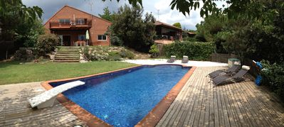 Photo for Detached house with pool, ideal families, pets are welcome.