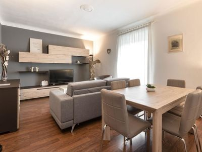 Photo for Apartment Moscova Trilocale in Milano - 6 persons, 2 bedrooms