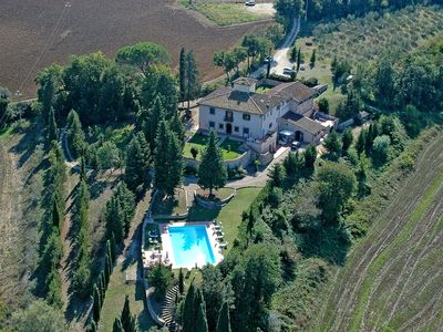 Photo for CASALTA DI SOTTO Agriturismo B&B, free wi-fi, swimming pool, 20 km to Florenc
