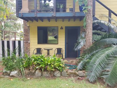 Front Patio & access to guest accomodation