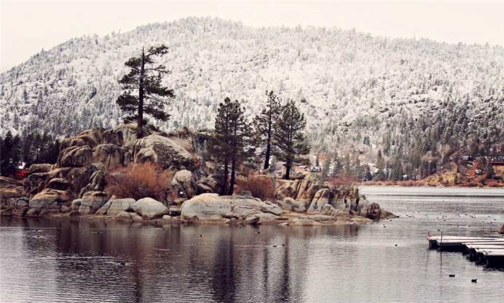 Quiet Moments Away - Minutes to The Village and Big Bear Lake!