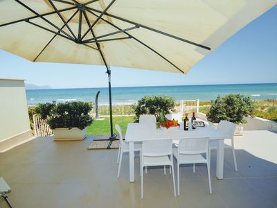 Photo for Al004 Luxurious villa by the sea