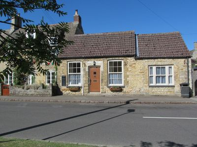 Photo for 2 Bedroom Cottage In Rutland