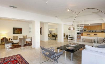 Photo for Modern Family-Friendly House. 4/3 w open floor plan, Heated Pool & Beach Club