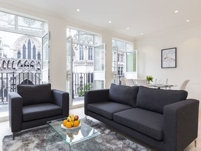Photo for AMAZING CITY VIEWS! 3BR 3BA FLAT IN THE HEART OF COVENT GARDEN BY TEMPLE
