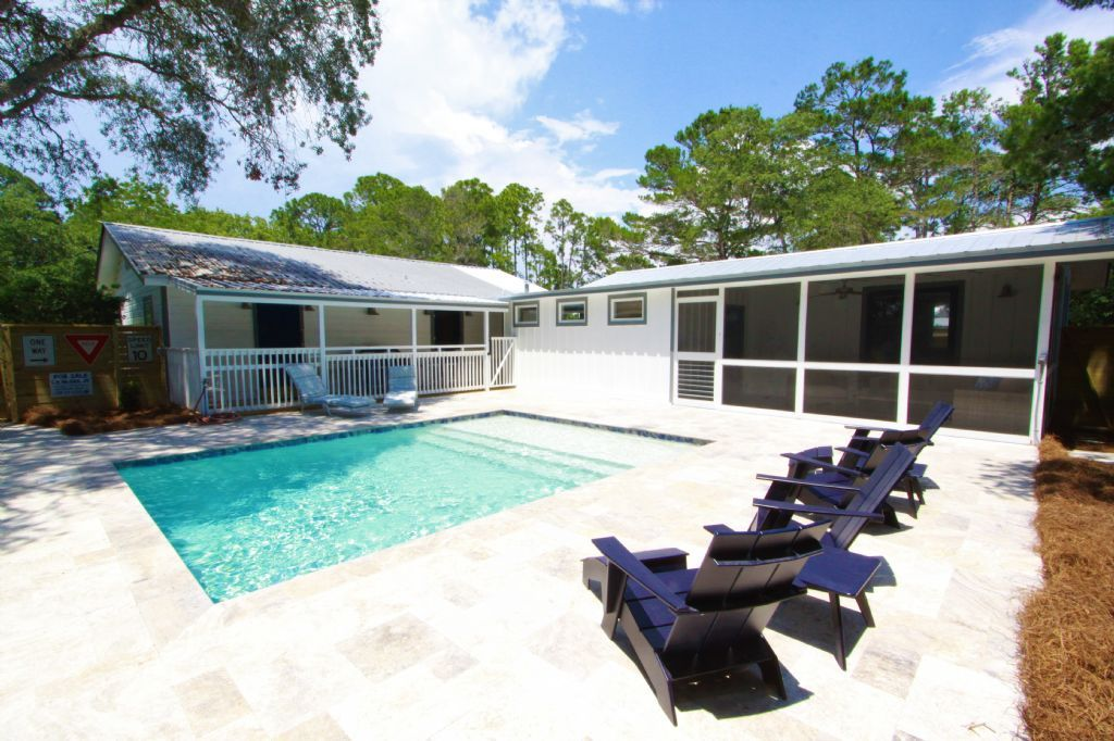 The Hideaway, New! Pool Table! Private Heated Pool, Close To Beach