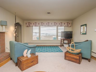 Photo for Beautiful Ocean City waterfront home with spectacular views.