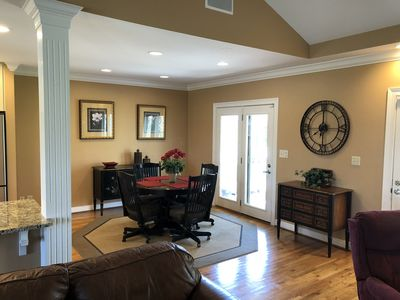 Dining area - Additional Leaf Available