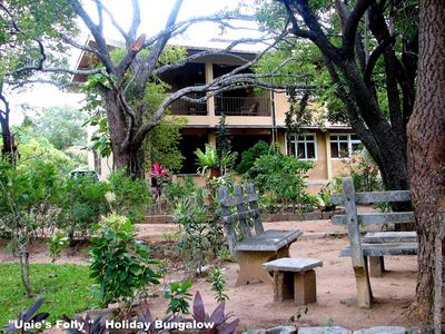 """Upie's Folly"" Holiday Bungalow with Rooms to Let"