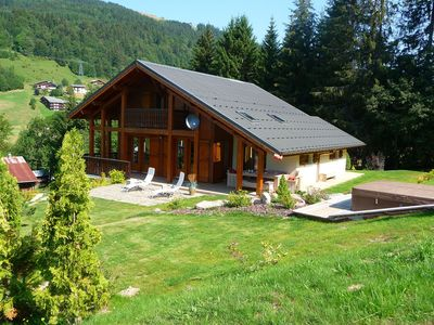 Photo for Very comfortable and sunny luxury chalet with ski-in and ski-out