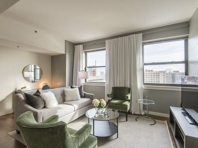 Photo for Deluxe 1BR in Heart of Center City
