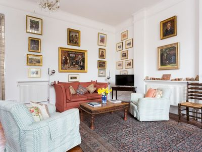 Photo for Artistic 1bed flat with patio in South Kensington