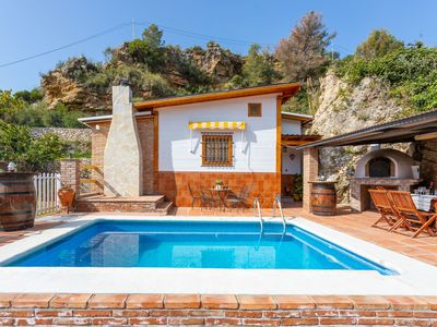 Photo for Rustic Villa w/private pool, Netflix, WiFi & surrounded by nature!