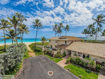 Photo for Place in Paradise~Kailua~Beachfront~Best Beach~Large 5 bd home~Licensed