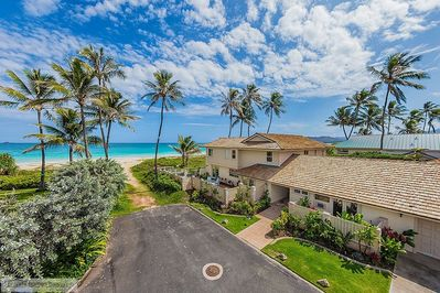 Place in Paradise with pathway to the beach! - Located at the end of a private lane, Place in Paradise is beach front on beautiful Kailua Beach.