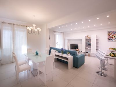 Modern and spacious apartments, 2 minutes walking from the beach