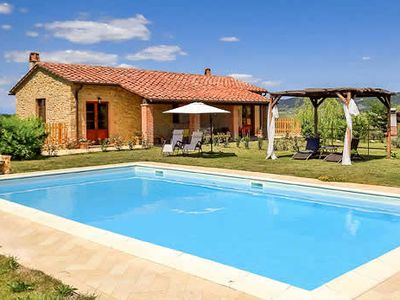 Photo for Rural villa, 4 bedrooms, large terrace, private pool, free Wi-Fi & BBQ