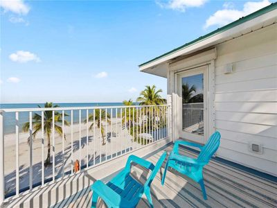 Photo for White Sand Cottage, 5 Bedrooms, Beach Front, Gulf View