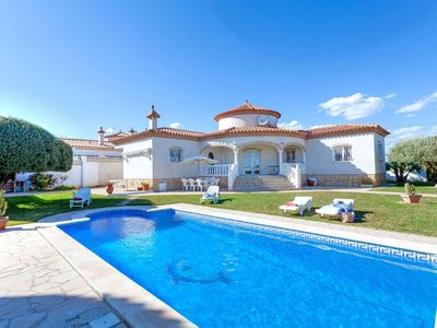 Photo for Wonderful private villa for 6 guests with private pool and TV