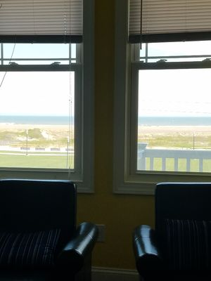 Photo for Ocean FRONT+Pool+Wifi 3bdrm